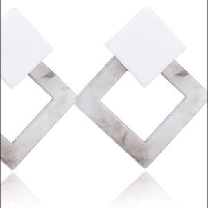 Jewelry - STATEMENT SQUARE ACRYLIC DROP DANGLE RESIN EARRING